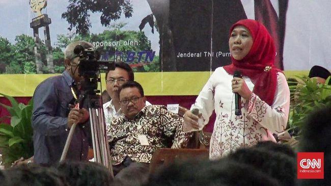 Menteri Sosial Khofifah Indar Parawangsa mengatakan pihaknya bakal memfasilitasi pemulangan pengikut Dimas Kanjeng. (CNN Indonesia/Damar Sinuko)