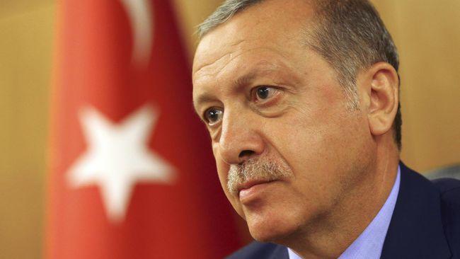 Presiden Turki Recep Tayyip Erdogan menuduh AS mengirim dua pesawat berisi penuh senjata untuk pejuang Kurdi di Suriah utara pekan ini. (Reuters/Huseyin Aldemir)