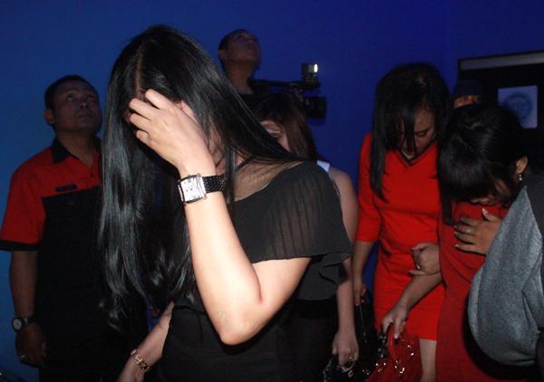Sejumlah wanita muda berada di salah satu tempat hiburan malam di Bandarlampung (Foto : El  Shinta)