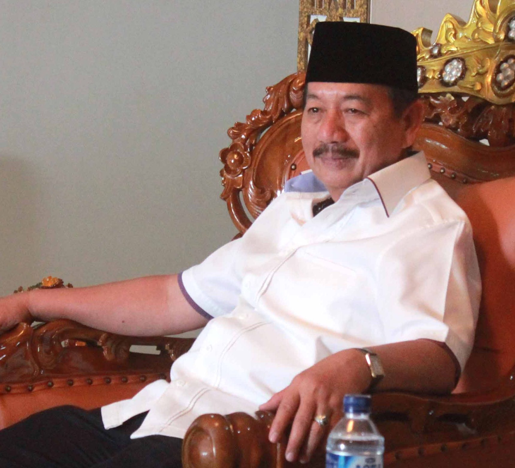 Wali Kota Bandarlampung bersantai di rumah dinasnya yang baru, (Foto Lampungnews/El Shinta)