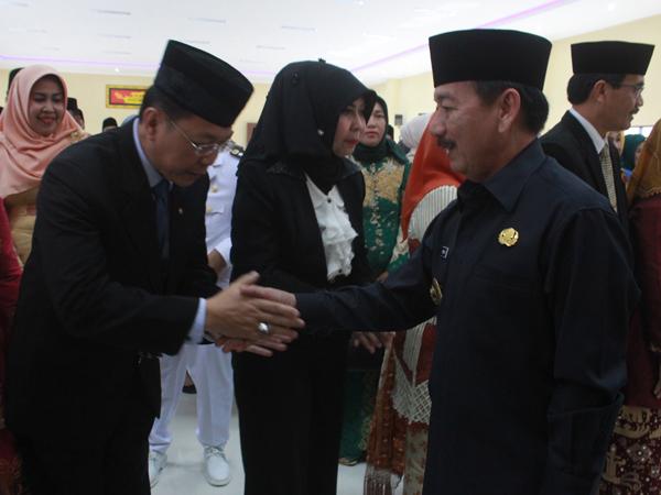 Wali Kota Bandar Lampung Herman HN melantik pejabat eselon II di lingkungan Pemerintah Kota Bandarlampung, Selasa (3/1). (El Shinta)