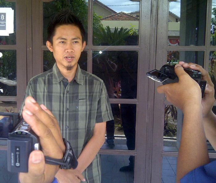 Divisi Pencegahan dan Hubungan Antar Lembaga Panwas Pringsewu, Aziz Amriwan. (Anton/Lampungnews.com)