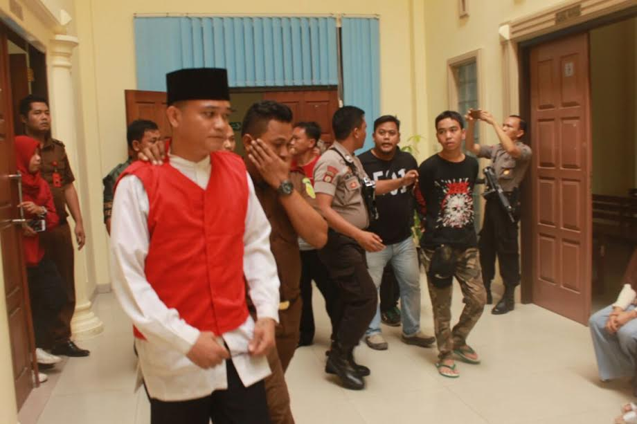 Feri Septian Musi usai menjalani sidang vonis di Pengadilan Negeri kelas IA, Tanjungkarang, Bandarlampung. (Foto Lampungnews/Adam)