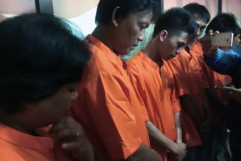 Para tersangka bandar narkoba yang ditangkap Polda Lampung. (Lampungnews/Adam)