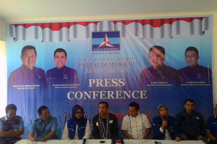 Konfrensi pers pelantikan pengurus Demokrat Lampung. (Lampungnews/Davit)