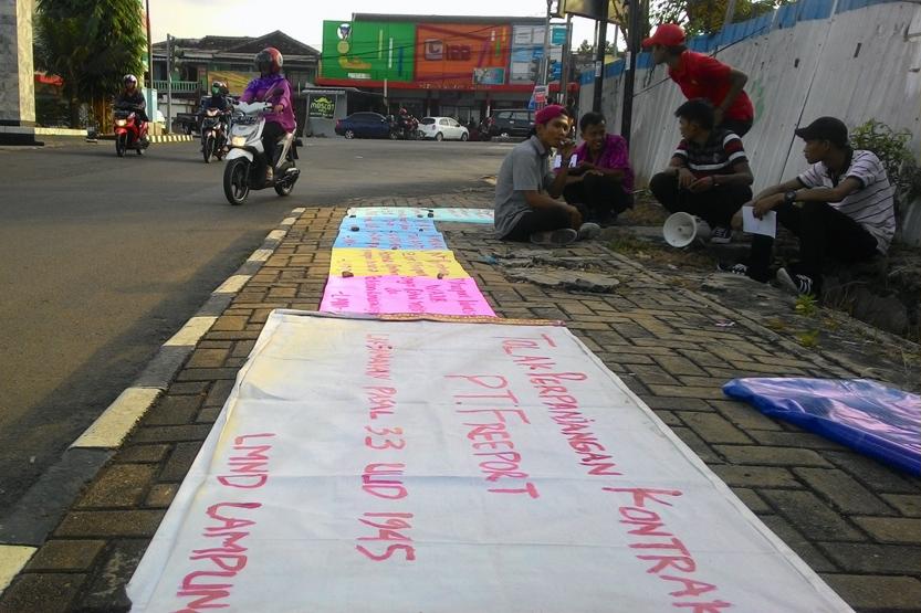 Aksi penolakan PT Freeport Indonesia oleh LMND. (Lampungnews/Davit)