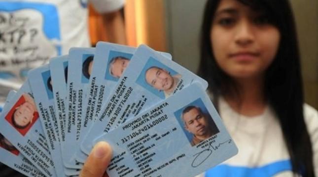 Kekosangan Blangko, Ratusan Ribu Warga Lamteng Belum Terima E-KTP