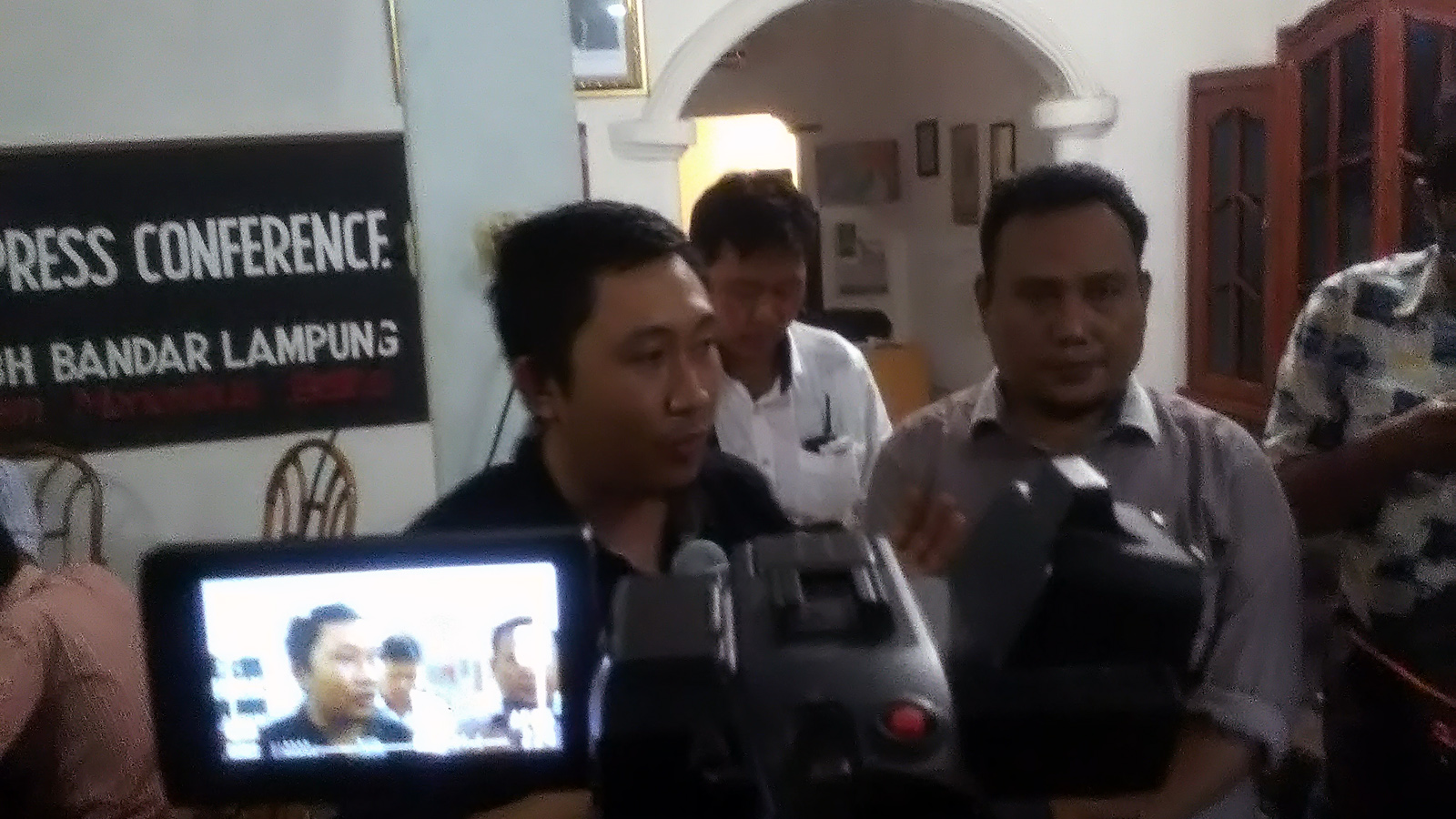 Direktur Lembaga Bantuan Hukum (LBH) Bandarlampung Alian Setiadi. (Lampungnews/Adam)