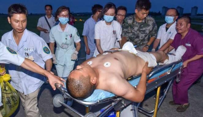 Evakuasi korban gempa Sichuan