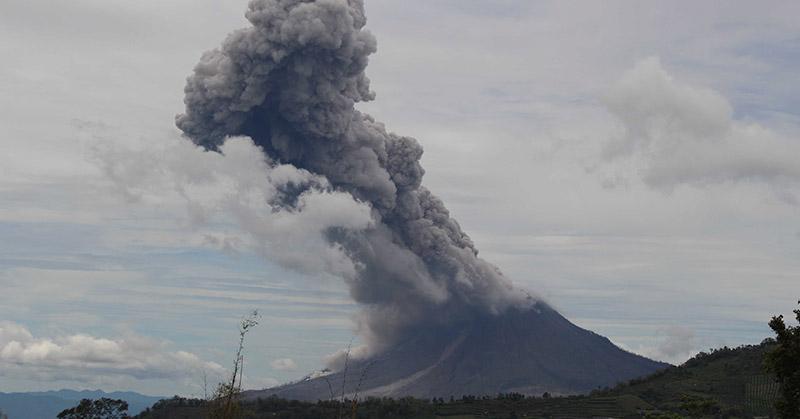 Foto : Gunung Sinabung