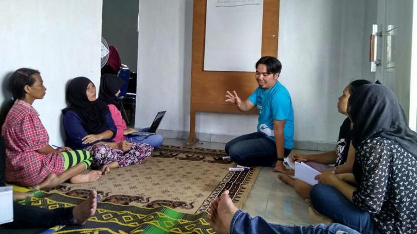 Para pekerja rumah tangga (PRT) mengikuti pelatihan jurnalisme warga beberapa waktu lalu. (Suriyati/Facebook)