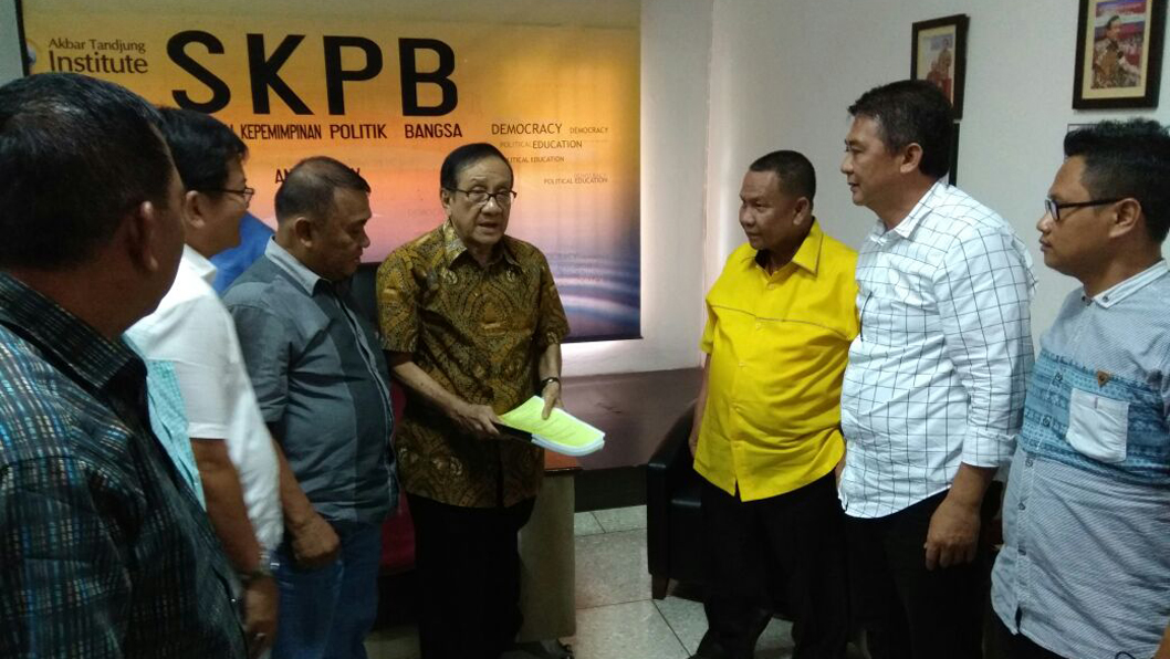 Silaturahmi FPKPGL dengan Akbar Tanjung di kantor AT institut Kalibata Jakarta (Ist)