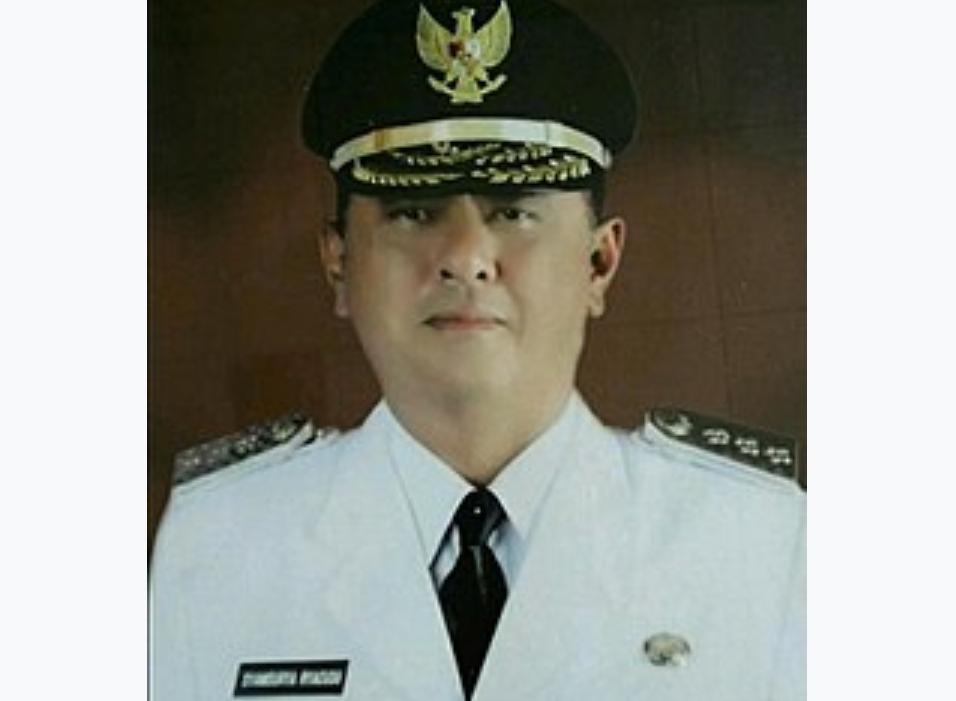 Mantan Gubernur Lampung Syamsurya Ryacudu