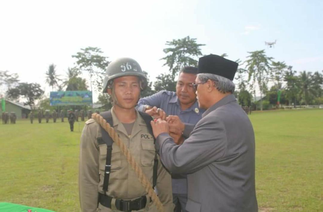 Plt Bupati Lamteng Loekman Djoyoaoemarto saat membuka Diklatsar Satpol PP Lamteng. (Foto : Kominfo Lamteng)