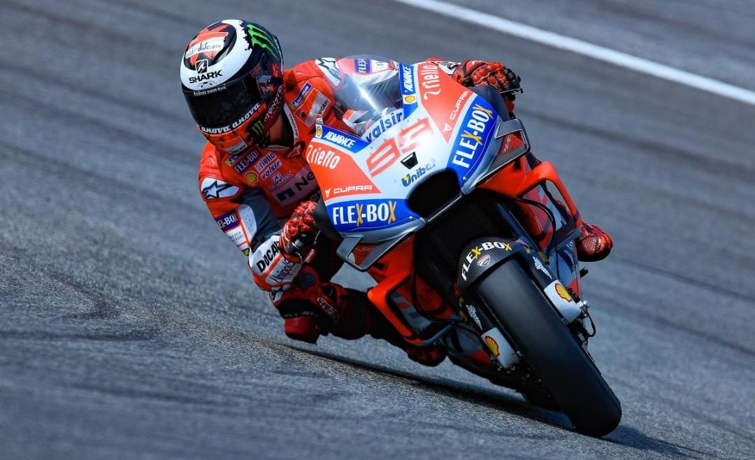 Pembalap Ducati Lorenzo (Motogp.com)