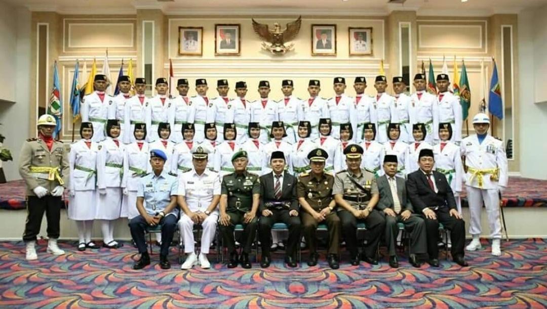 Paskibraka Foto Bersama Gubernur Lampung. (Humas)