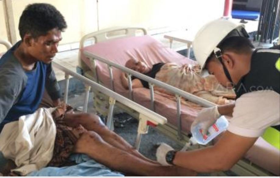 Ilustrasi. Dokter Menangani Korban Gempa Palu (Suara.com)