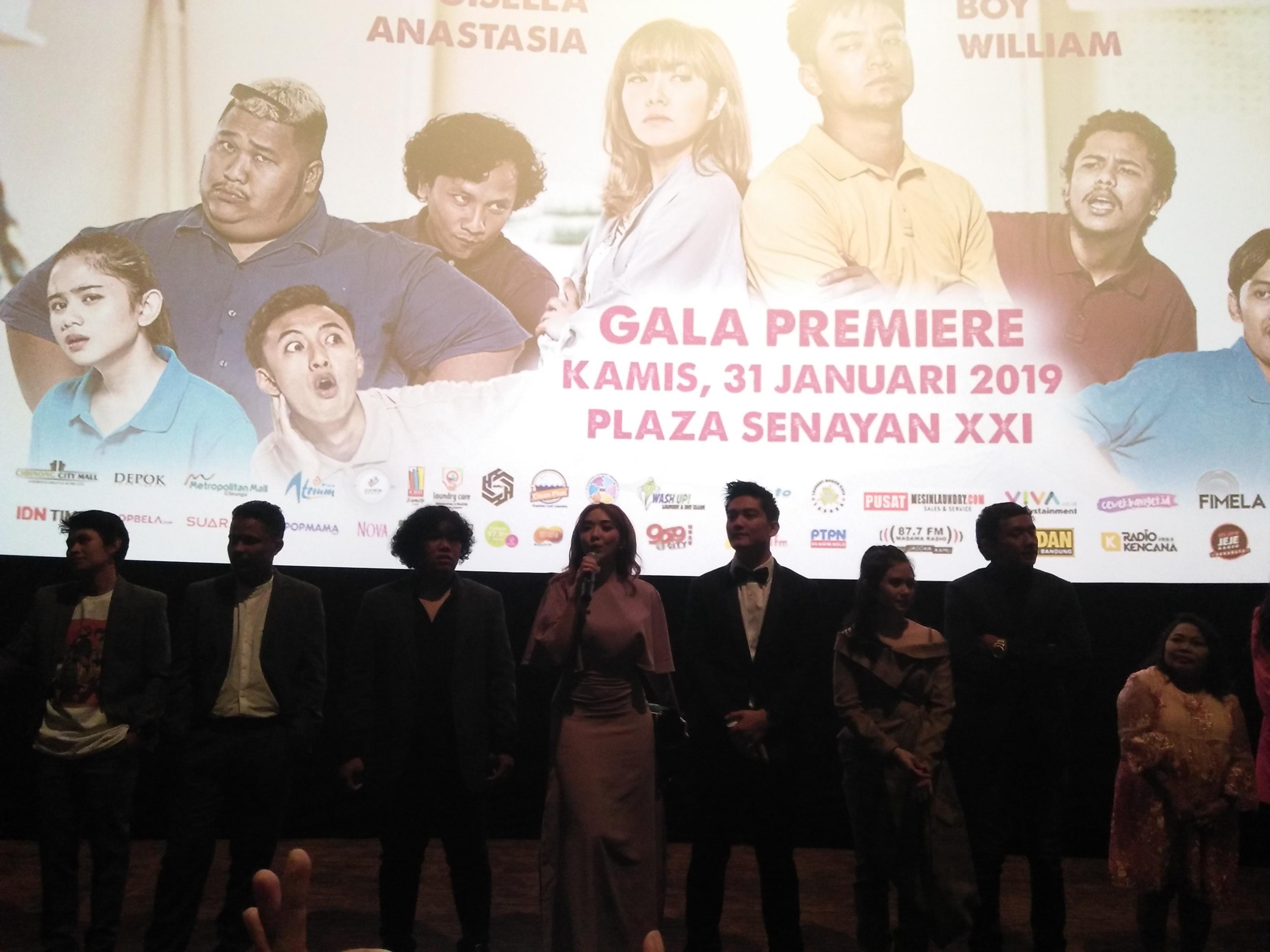 Para artis saat Konferensi Pers Peluncuran Film Laundry Show di Jakarta (Michella)