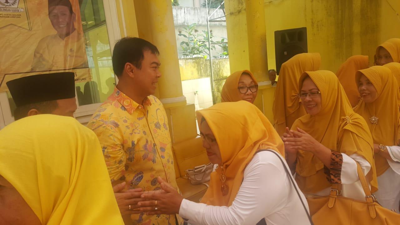 Rycko Menoza SZP hadiri halal bi halal dan pengajian Al-hidayah di Gedung Golkar Kota Bandarlampung.